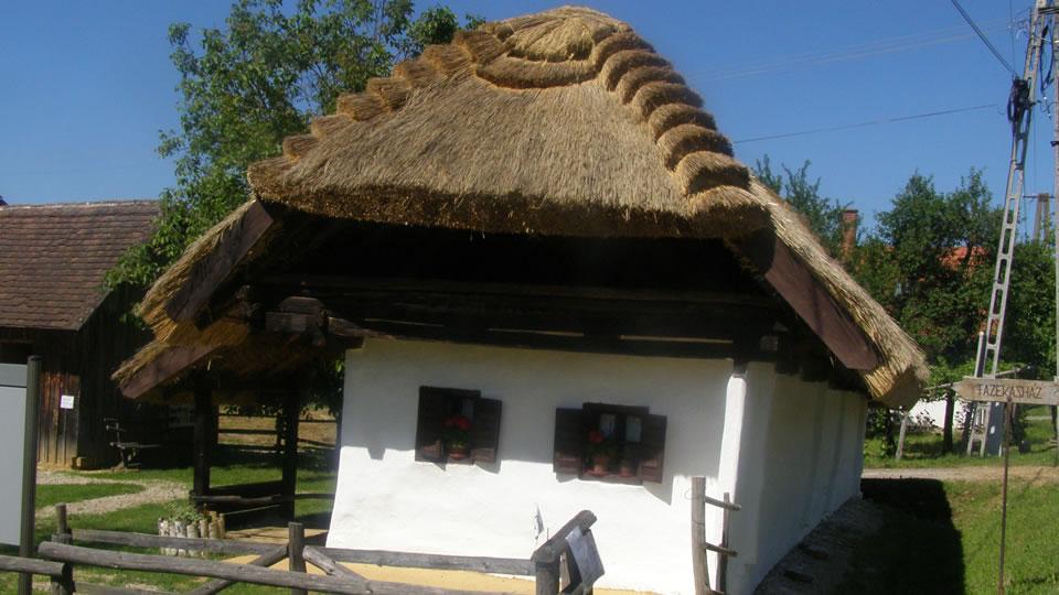 Magyarszombatfa fazekasház